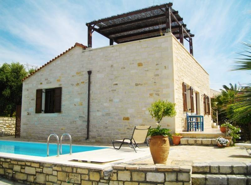 villa in viran episkopi rethymno crete property for sale in rethymno crete house for sale in. Black Bedroom Furniture Sets. Home Design Ideas